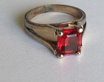 Rich Red Rhinestone Ring Size 10 14KGE