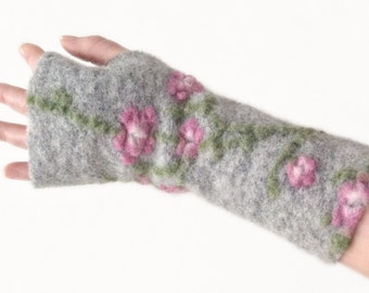 Arm Warmers in Light Grey, Fingerless Gloves,  Wrist Warmers, Wool Fingerless Mittens, Wool Fingerless Gloves, Gauntlets