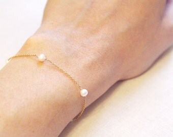Modern Pearl Bracelet | 14kt Gold Filled or Sterling Silver | Freshwater Pearls