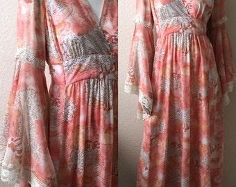 Vintage Women's 70's Boho, Maxi Dress, Full Length, Long Bell Sleeve, Floral (S/M)