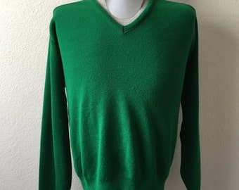 Vintage Men's 80's Sweater, Green, Acrylic, V Neck, Pull Over by Todd (XL)