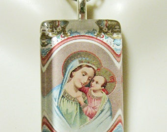 Devotional to the Madonna pendant with chain - GP09-007