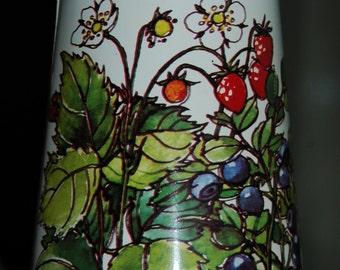 Vintage tin sugar shaker Regency Ware