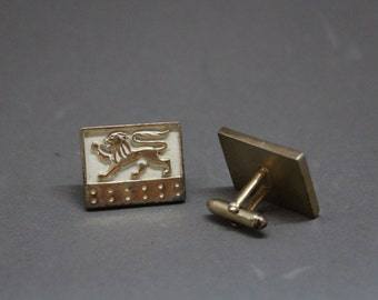 Vintage Lion Cuff Links. White and Gold Lion Cuff Links. Vintage Menswear. Suit Accessories.