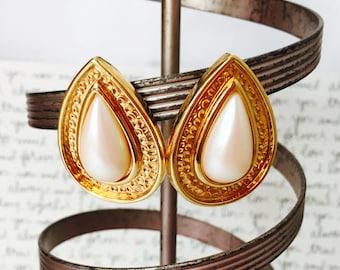 Chunky Pearl Earrings, Gold and Pearl Earrings, Chunky Gold Earrings, Large Pearl Earrings, Pearl Clip On Earrings, Pearl and Gold Earrings