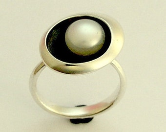 Silver pearl ring, fresh water pearl ring, single pearl ring, engagement ring, oxidised ring, oval, Sterling silver ring - Stay R1568