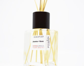 Reed Diffuser Oil - Jasmine and Roses Room Diffuser Oil Square Vase, Natural Dyed Reeds