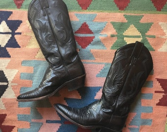 Size 6.5 Boots / 1970's Cowboy Boots / Black Tall Pointed Toe Boots / Wooden Stacked Boots / Stompin Boots / Justin Leather Cowboy Boots