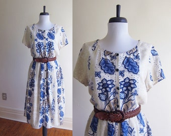 Vintage 1960s Dress / Blue Floral Cotton Tea Dress / Size Large