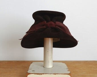 Vintage 1960s Hat - 60s Bucket Hat - The Allie