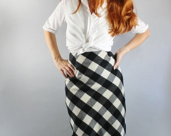 SALE - Vintage 90s Black Cream Buffalo Plaid Check Wool Wear to Work Fall Winter Skirt