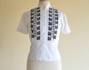 Vintage 1950s Blouse...Wonderful Black and White Woven Cotton Blouse