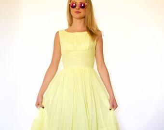 50s Pale Yellow Poofy Cummerbund Princess Dress xxs xs
