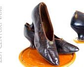 Vintage 1920s Shoes. Dark Aubergine Leather with Tiny Diamanté Decoration. 20s. Purple. Flapper. Jazz Age. Art Deco.