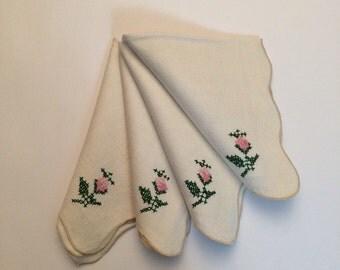 Vintage Napkins Linen Embroidered - set of 4