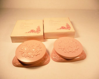 Avon Pink Powder Compact 50s 60s Make Up Cosmetics Vanity Beauty Plastic Metal Mirror