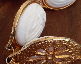 60s SCARAB BELT--Gold Chain Links with Ivory Scarabs--Nice and Weighty