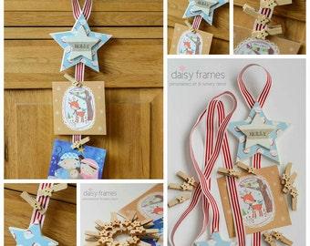 Christmas card and artwork peg star holder