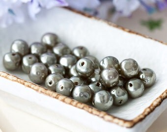 Vintage Glass Pearls Ash Gray Miriam Haskell Baroque Glass Pearl Beads from Japan 8mm