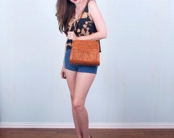 70's Tooled Leather Purse / Boho Hippie Western Tan Shoulder Bag