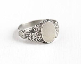 Sale - Vintage Sterling Silver Blank Signet Flower Ring - Men's Art Nouveau Style Size 10 Repousse Floral Vine Oval Center Statement Jewelry