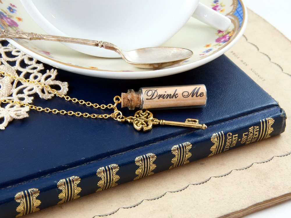 Drink Me Necklace - Bottle Necklace - Alice in Wonderland Gift - Alice in Wonderland Jewellery