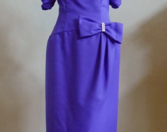 "Vintage Floor Length Purple Evening Gown with Off-The-Shoulder Sleeves Bust 40"" Waist 31"""