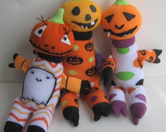 BOO, JAX & EEK!!!  A triple treat for Halloween. These cute pumpkin heads are a bunch of funny sock toys.
