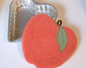 RED APPLE POTHOLDER Heatpad, vintage chenille and table linens