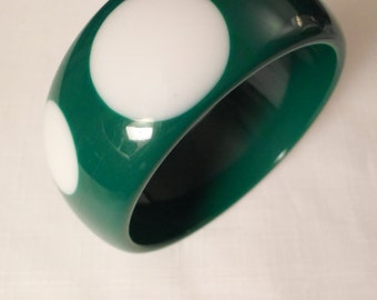 GREEN POLKADOT BANGLE / Bracelet / Lucite / White / Injected / Layered / Laminated / Chunky / Fashionista / Hip / Trendy / Chic / Accessory