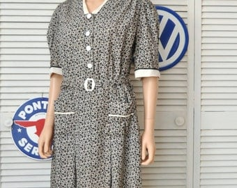 Vintage 30s 40s Cotton Print Womens Daywear Dress/Black & White Floral/Short Sleeve/Theater Costume/Large 38.5 Antique Marie Dressler Dress