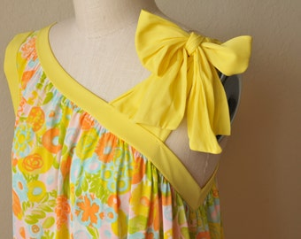 Yellow Floral Bow Nightgown // 1960s Mod Babydoll Nightie Lingerie