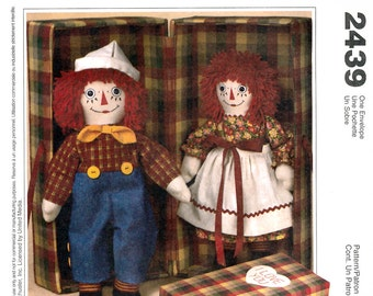 """McCall's 2439 Craft Sewing Pattern for 20"""" Raggedy Ann and Andy Dolls with Carrying Case - Uncut"""
