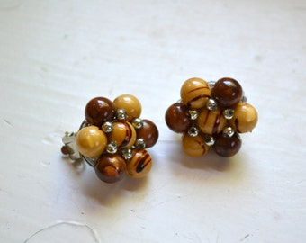 1960s Brown Bead Cluster Clip Earrings