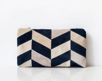 Xmas in July SALE Contrast Chevron Pouch No. LHs-101