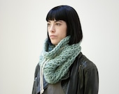 SOLDE /// The Chunky with cotton cord (in Icebergs) /// Chunky cowl with cotton cord