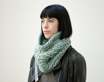The Chunky with cotton cord (in Icebergs) /// Chunky cowl with cotton cord