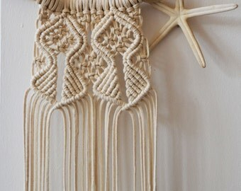 Macrame Cotton Wall Hanging Tapestry / Unbleached Natural Cotton on Driftwood / Boho Tribal Country Home Decor