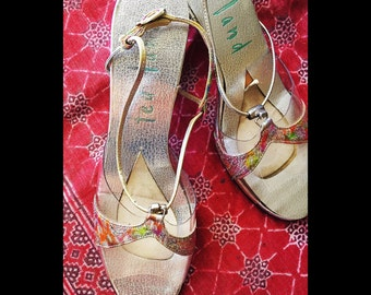 1960's Brocade Shoes/ Silver Metallic Ted Land 60's Vintage Sandals/ strappy mod psychedelic shoes/ size 6 6.5