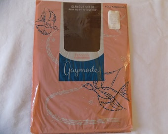 Vintage NOS Thigh High Seamed Stockings with Cuban Heel Size 9 1/2