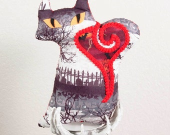 Fraidy Cat Halloween Plush Ghost in the Graveyard