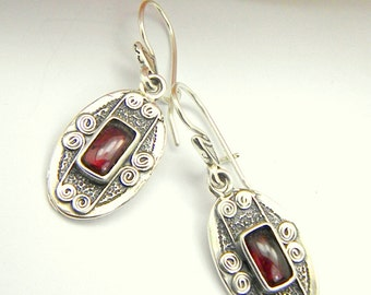 Silver garnet earrings, sterling silver oval  dangling  earrings rustic antique style, gemstone earrings, garnet jewelry, January birthstone