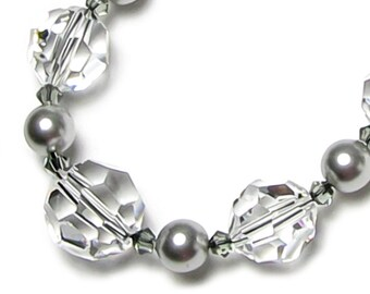 Urban Style Clear Swarovski Crystal Grey Swarovski Pearl Necklace, Hipster Color Trend, Romantic Gift for Women, Classic Unique City Fashion