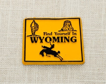 Vintage Wyoming Silhouette State Magnet Grand Teton Devils Tower Old Faithful Travel Tourism Summer Vacation Memento Find Yourself America