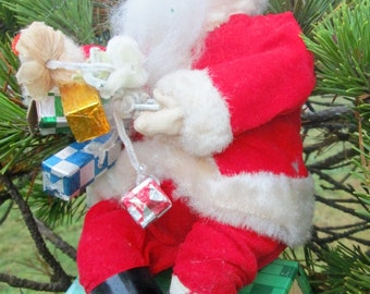 Vintage Battery Operated Toy Santa Claus Bank.  HTTC.  Made in Japan.  For Parts, Display or Repair.  Y-091