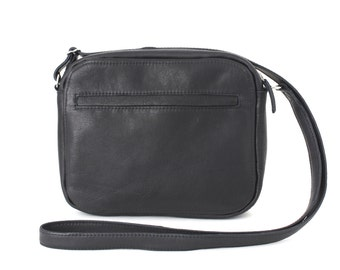 Medium Crossbody Zip Bag vegetable tanned leather Midnight Blue, Zippered leather purse, shoulder bag