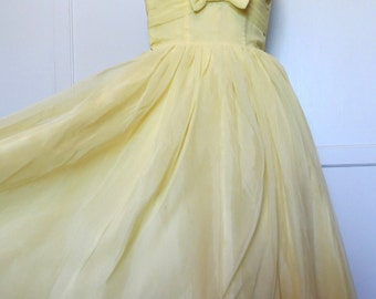 Vintage 50s Pale Yellow Strapless Sweetheart Party Dress Prom Formal Dance Full Skirt Womens Size X-Small Small