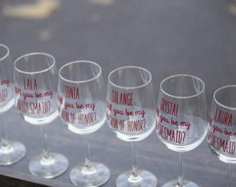 Will you be my Bridesmaid. Maid of Honor, Wine glasses. Set of 4. Will you be my Bridesmaid gift idea glass. Bridesmaid Proposal