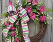 Petunia Spring Wreath, Spring / Summer Wreath, Pink and Green Wreath, Springtime  Door Decor, Mother's Day Gift, Horn's Handmade, Spring