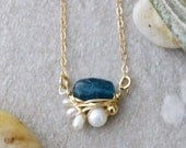Solid 14k gold: apatite & freshwater pearl petite pendant necklace